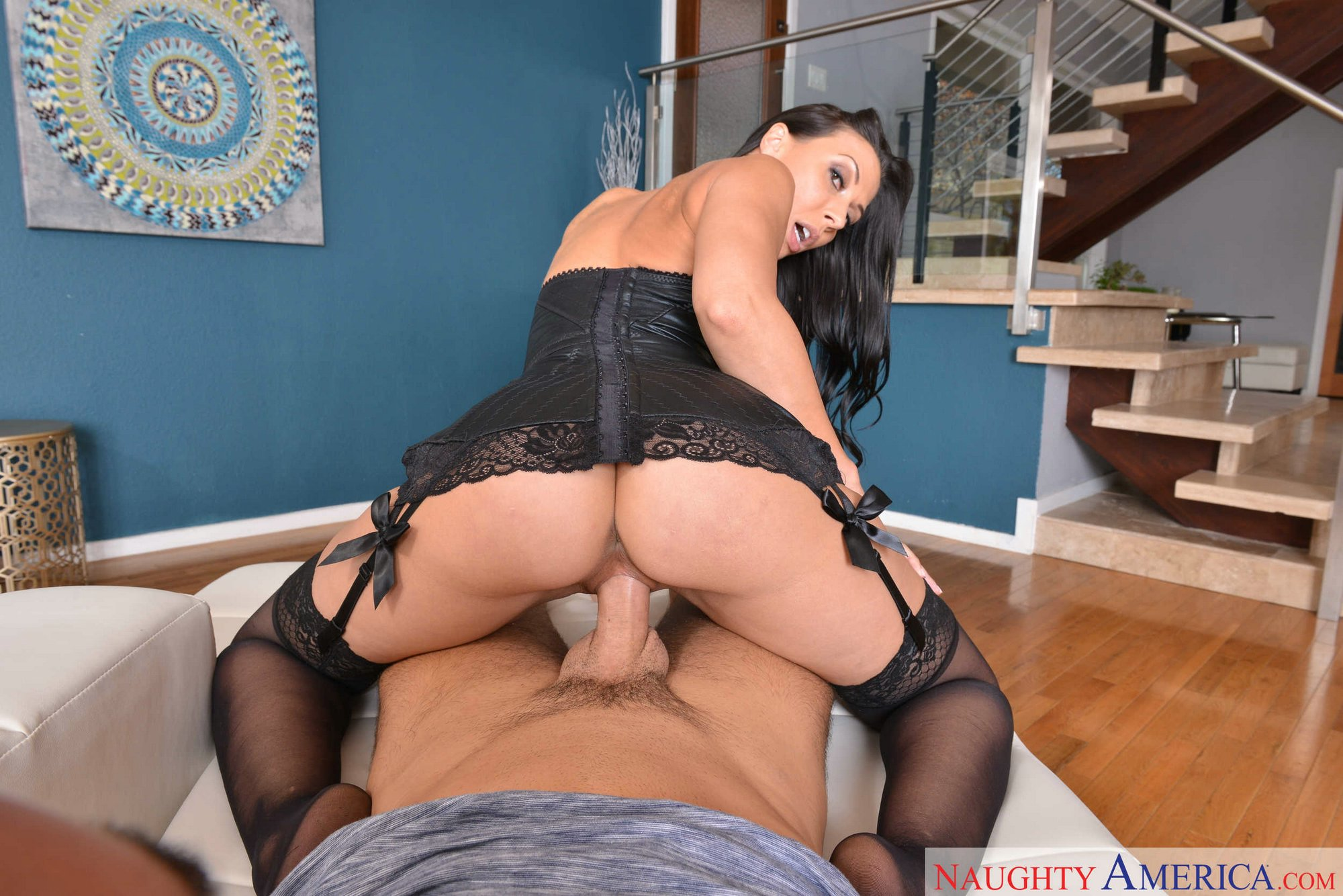 Rachel Starr In Black Corset And Stockings Getting Fucked In Pov