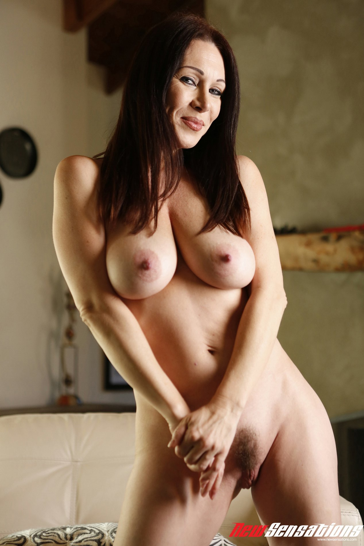 RayVeness in sexy shoes exhibits her hot body - My ...