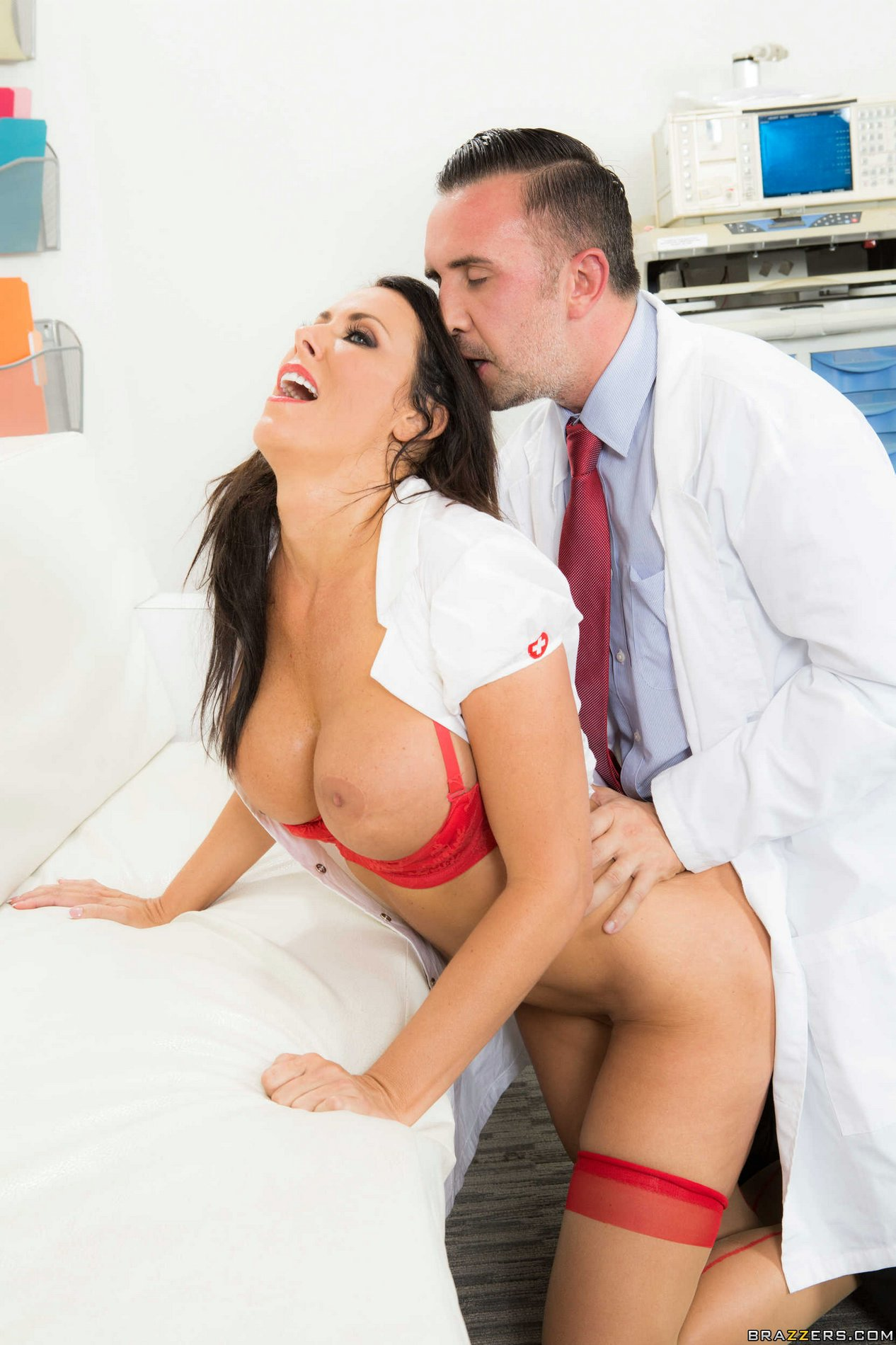 Reagan foxx doctor