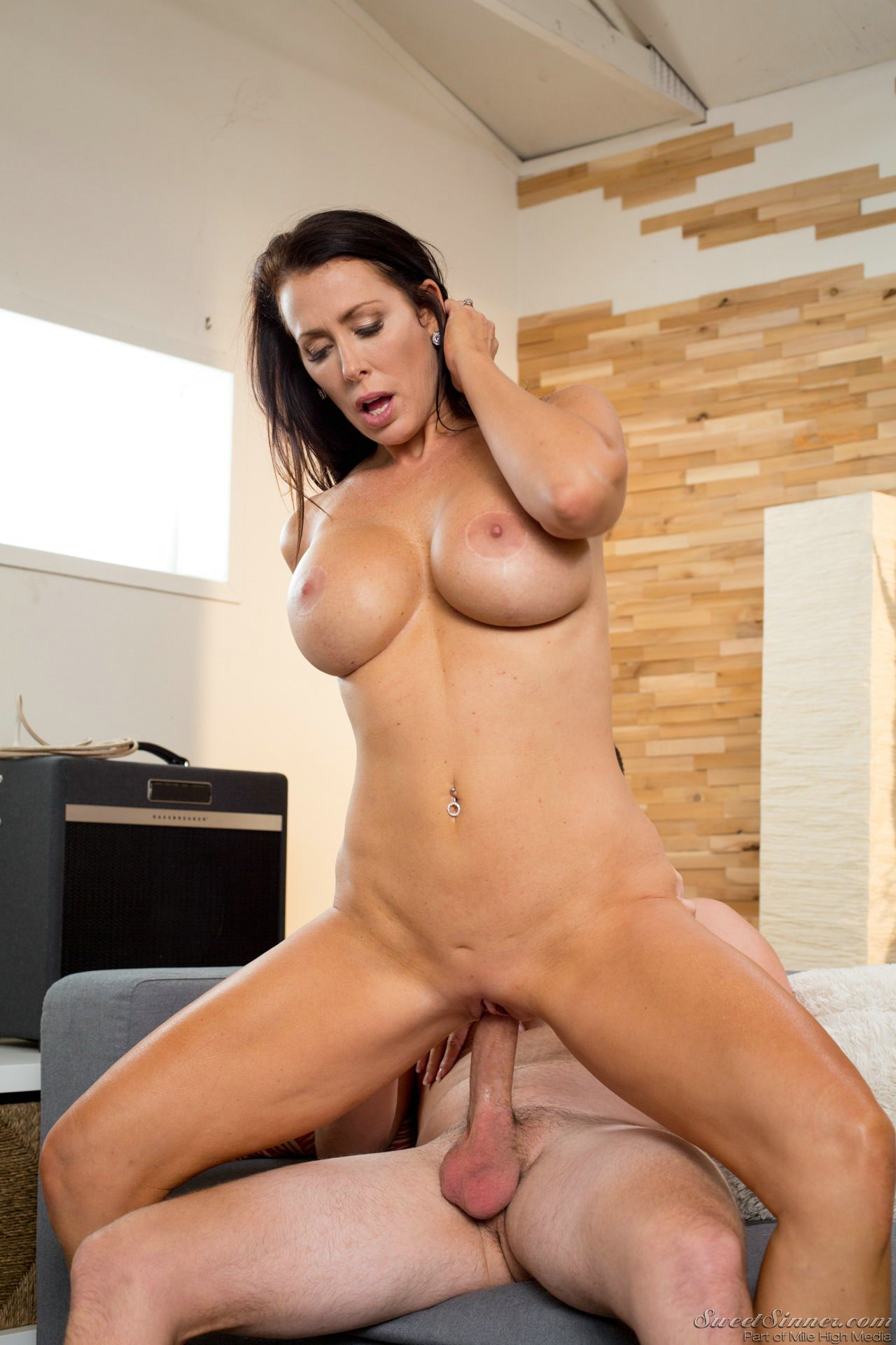 image Brunette reagan foxx gets her wet pussy creampied