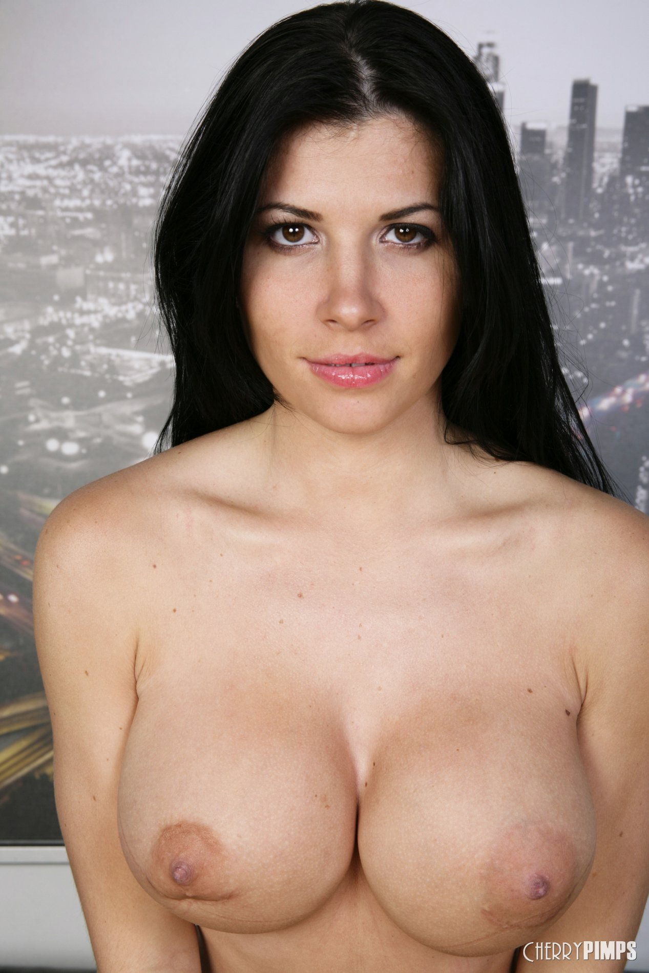 Pretty brunette Rebeca Linares shows off her hot body.: mypornstarbook.net/pornstars/r/rebeca_linares/gallery68/mobile.php