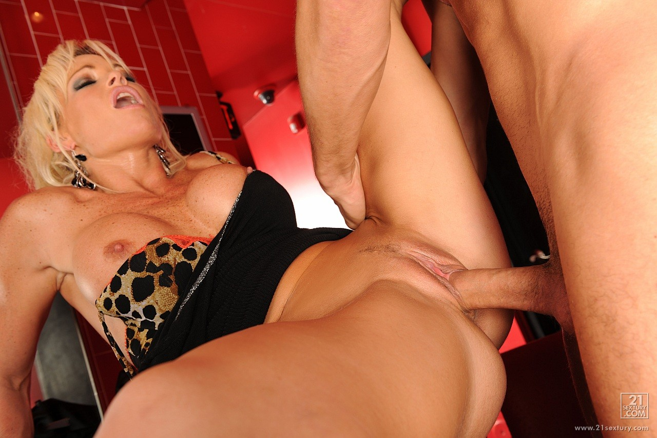 Super hot milf rhylee richards 2