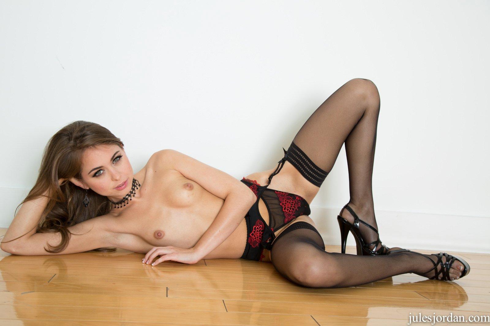 leilene nude pics