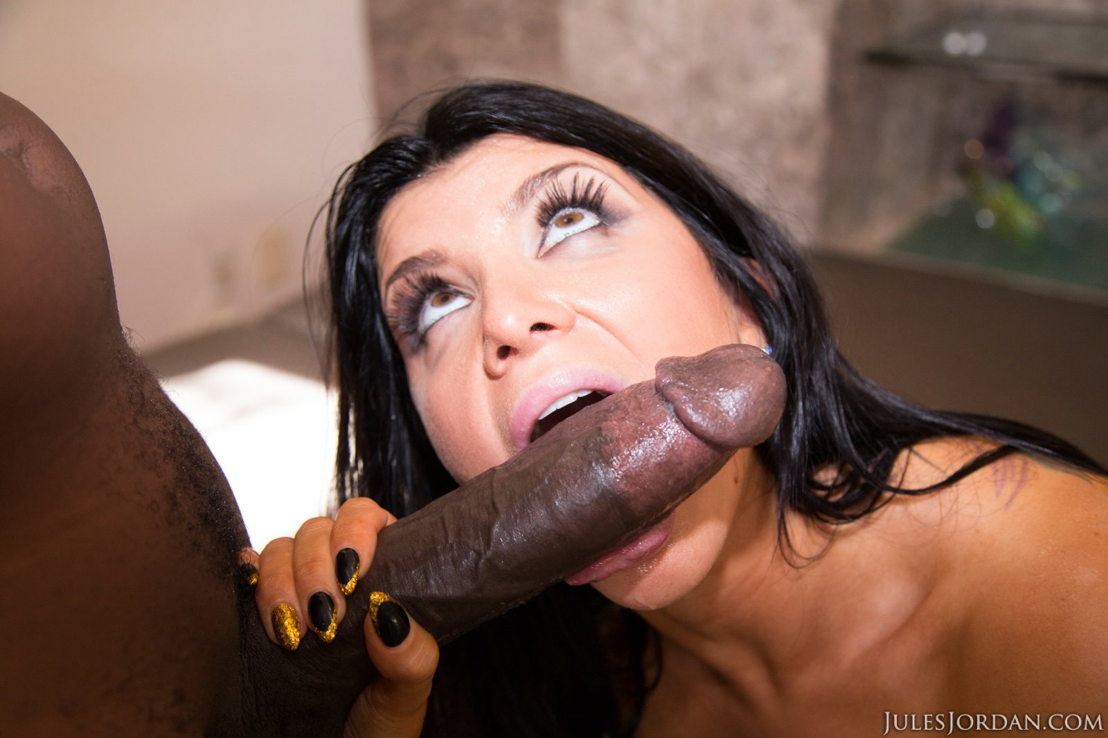 Brunette Hottie Veronica Rayne Deepthroating A Big Hard Rod