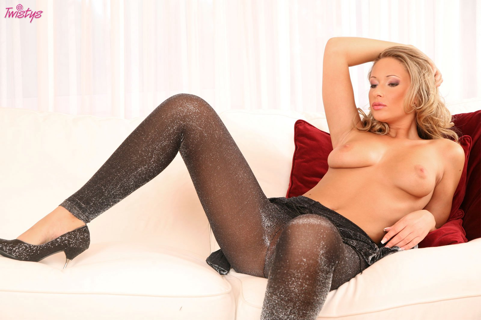 Roxy Carter in body pantyhose stripping and playing with a ...