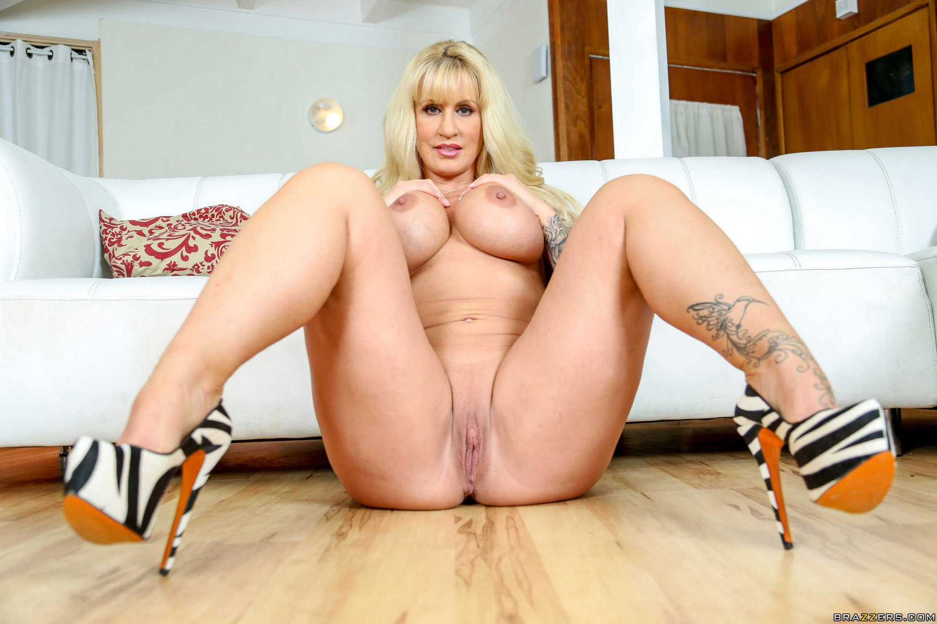 image Blonde milf ryan conner takes massive cock in her asshole Part 2