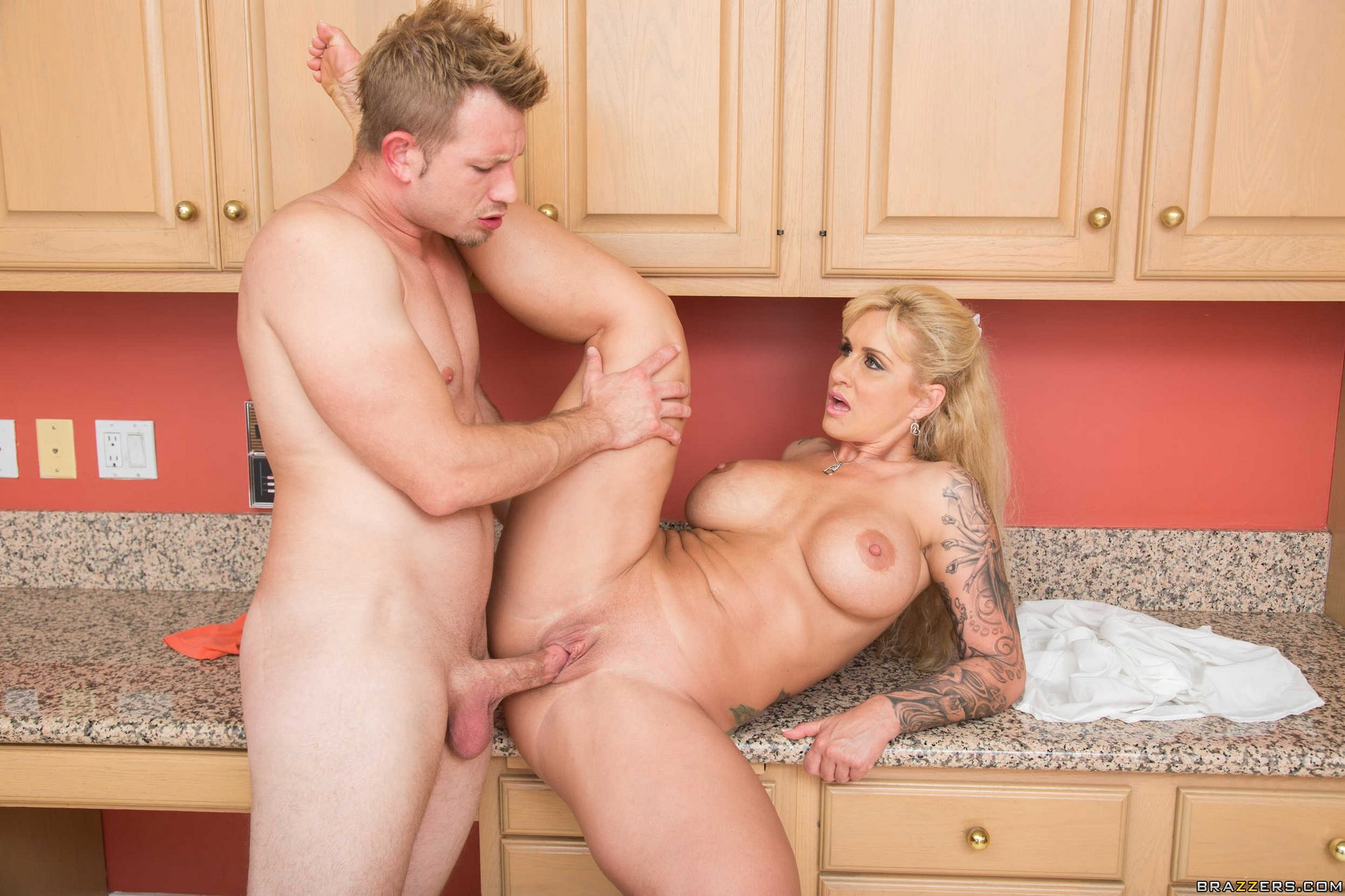 Mature mother in law fucks her son in law