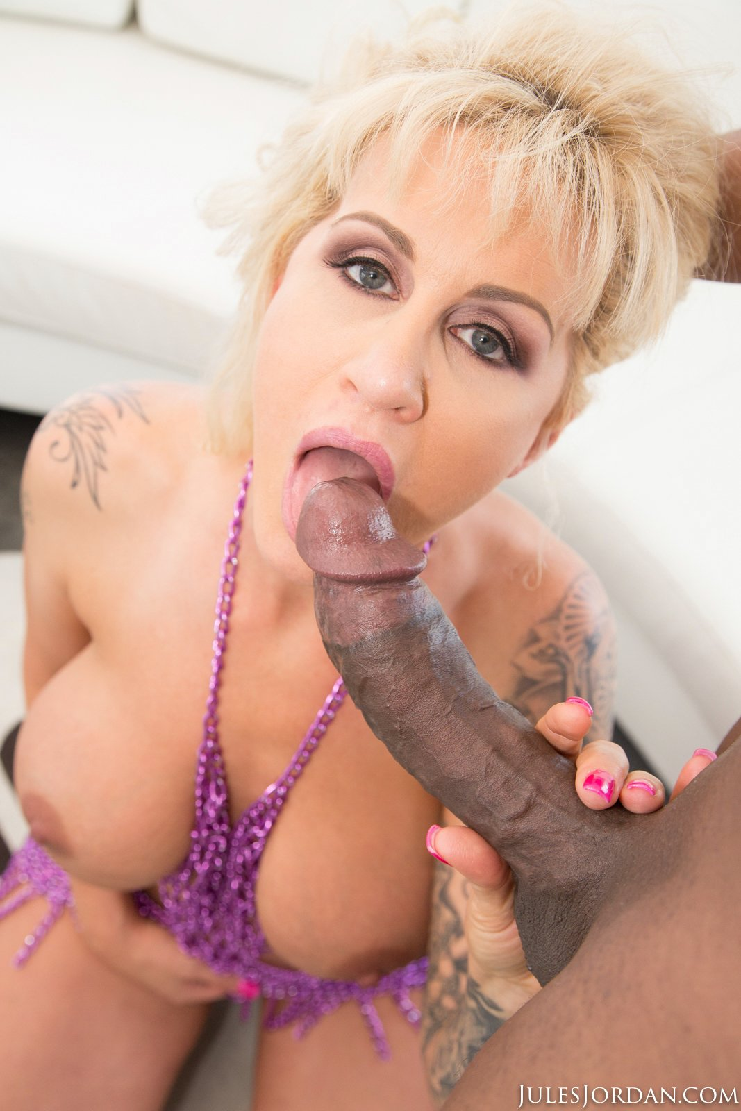 Ryan Conner Gets Her Asshole Drilled By Huge Black Cock -1194
