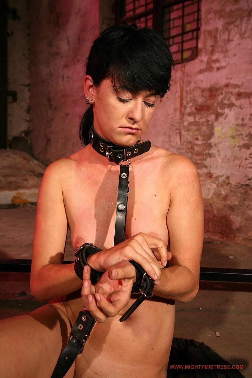 Ebony Lesbian Foot Slave