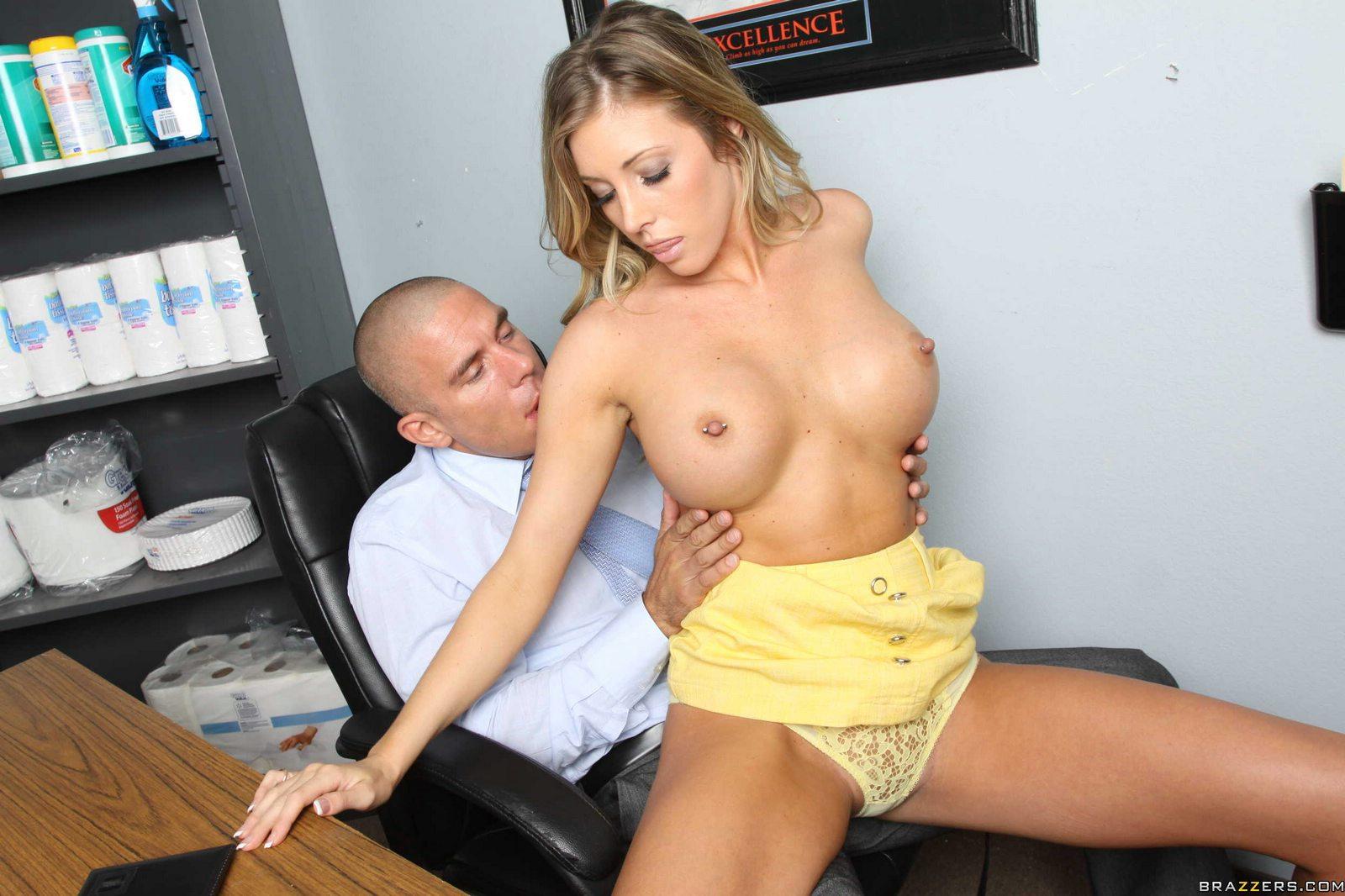 Brunette Office Secretary Squirting