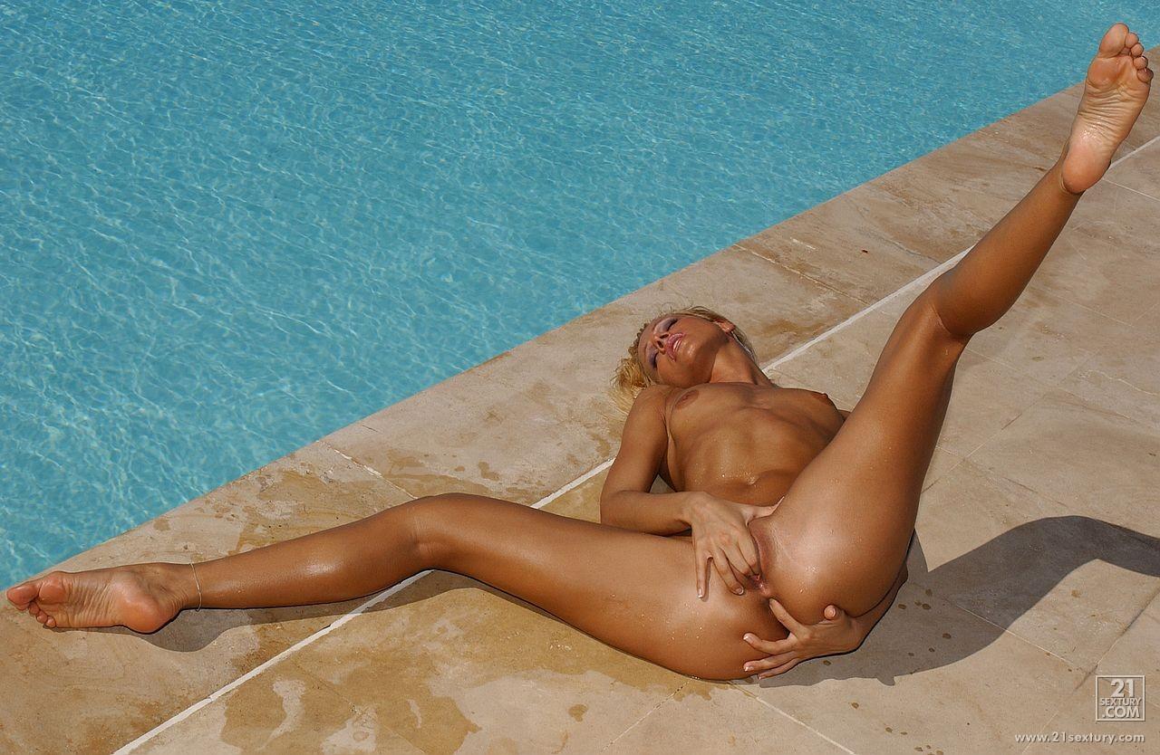 Hot oil bikini sex babes