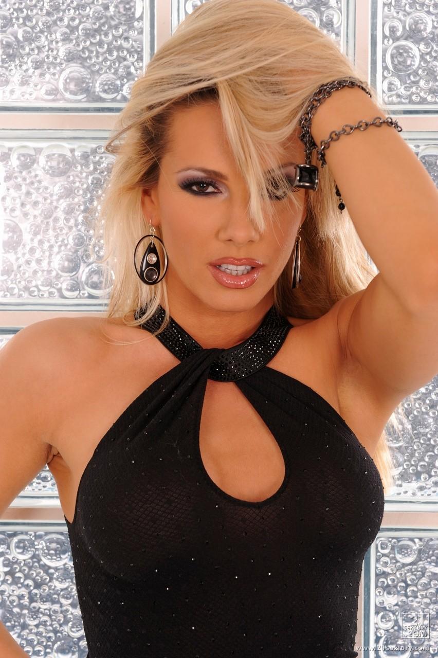 Vega. N 2 Danica Violet. W. S. Alma Ruby.