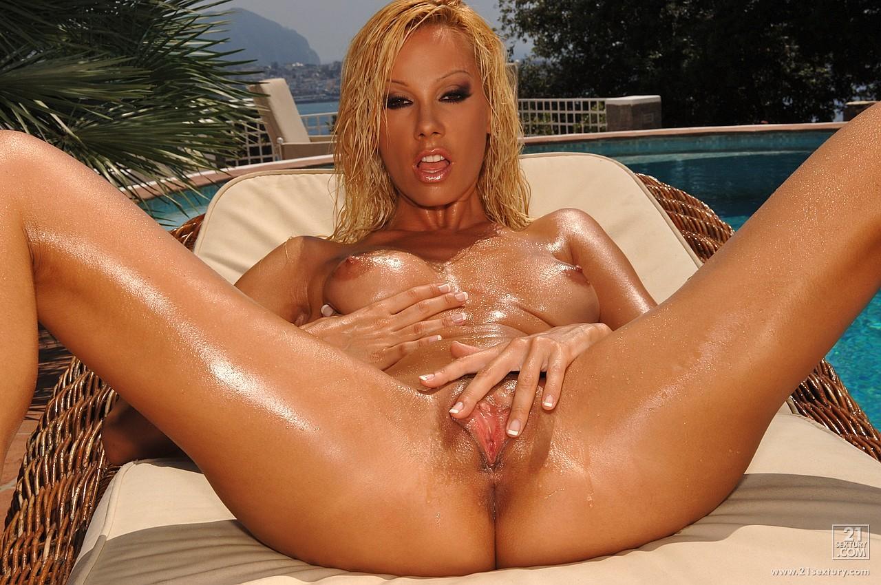 hot wet naked pornstars