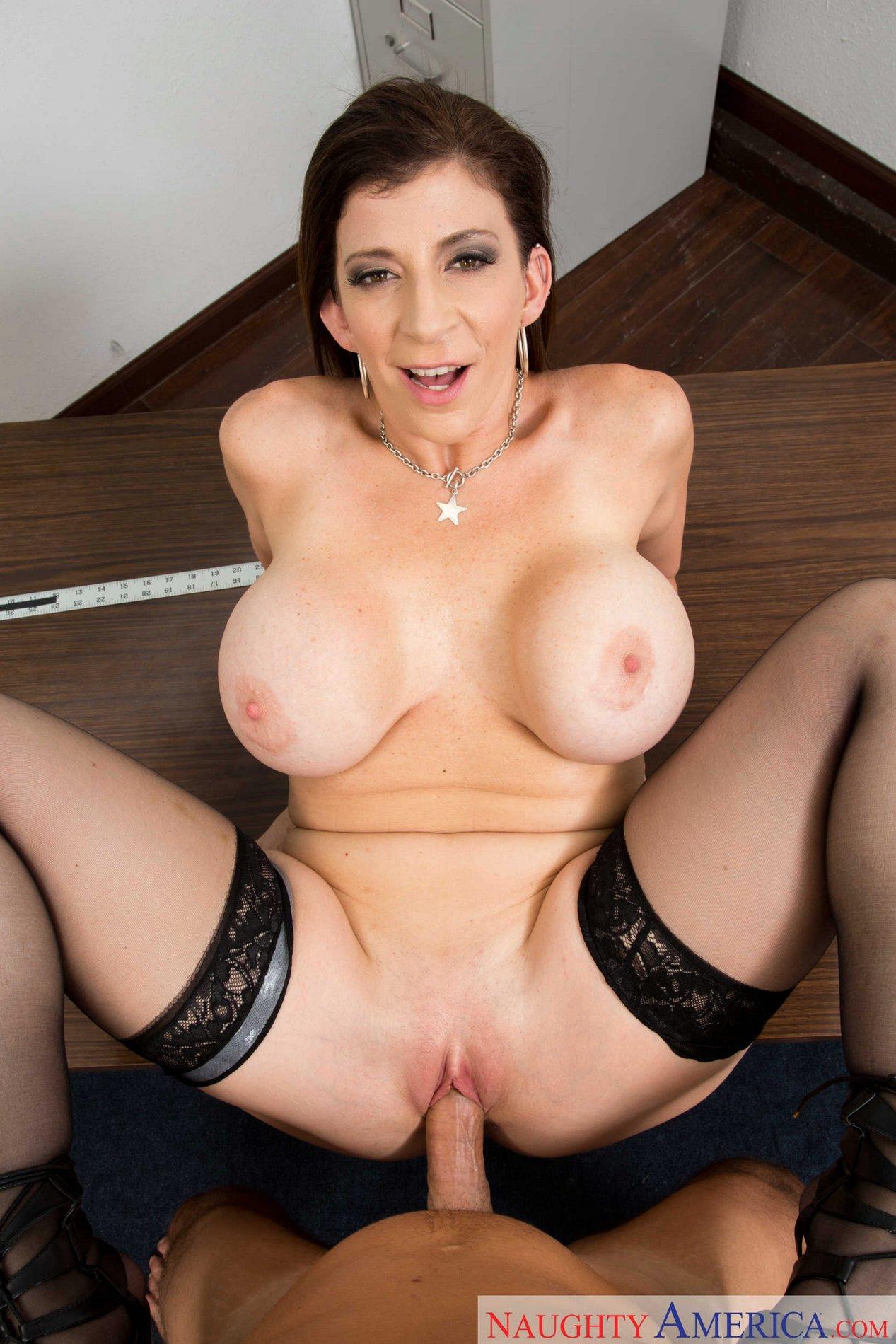 Nude italian girl blow job