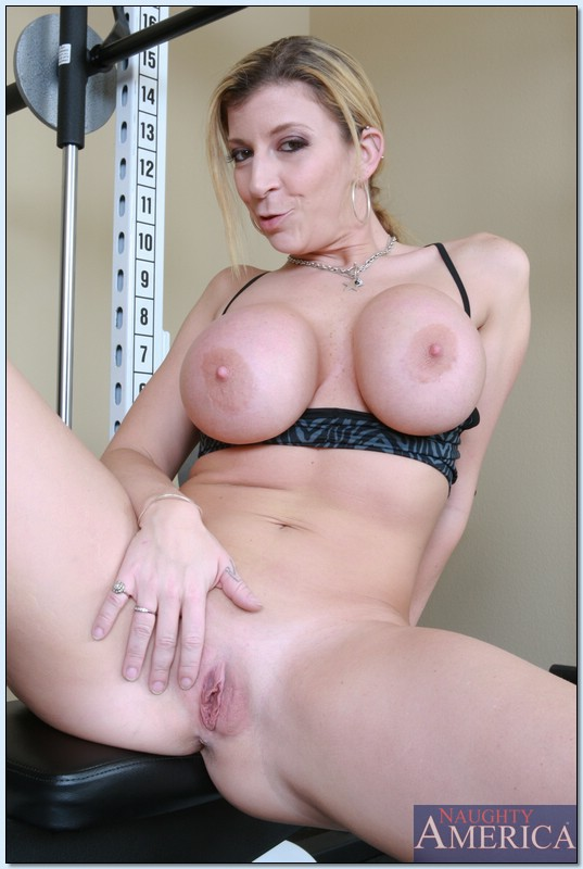 Milf tgirl sucking and riding cock