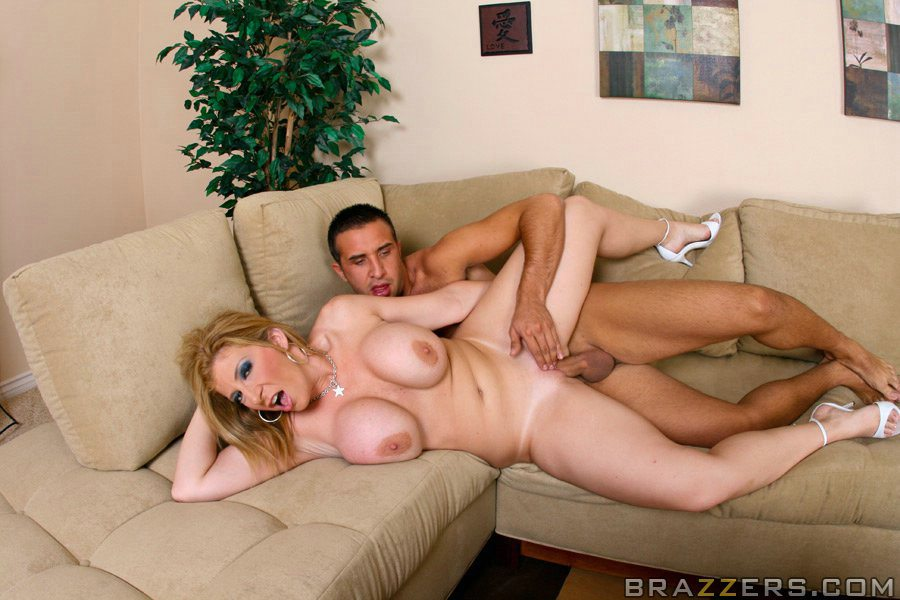 Sara Jay Gets Fucked By Keiran Lee On The Couch - My -7510