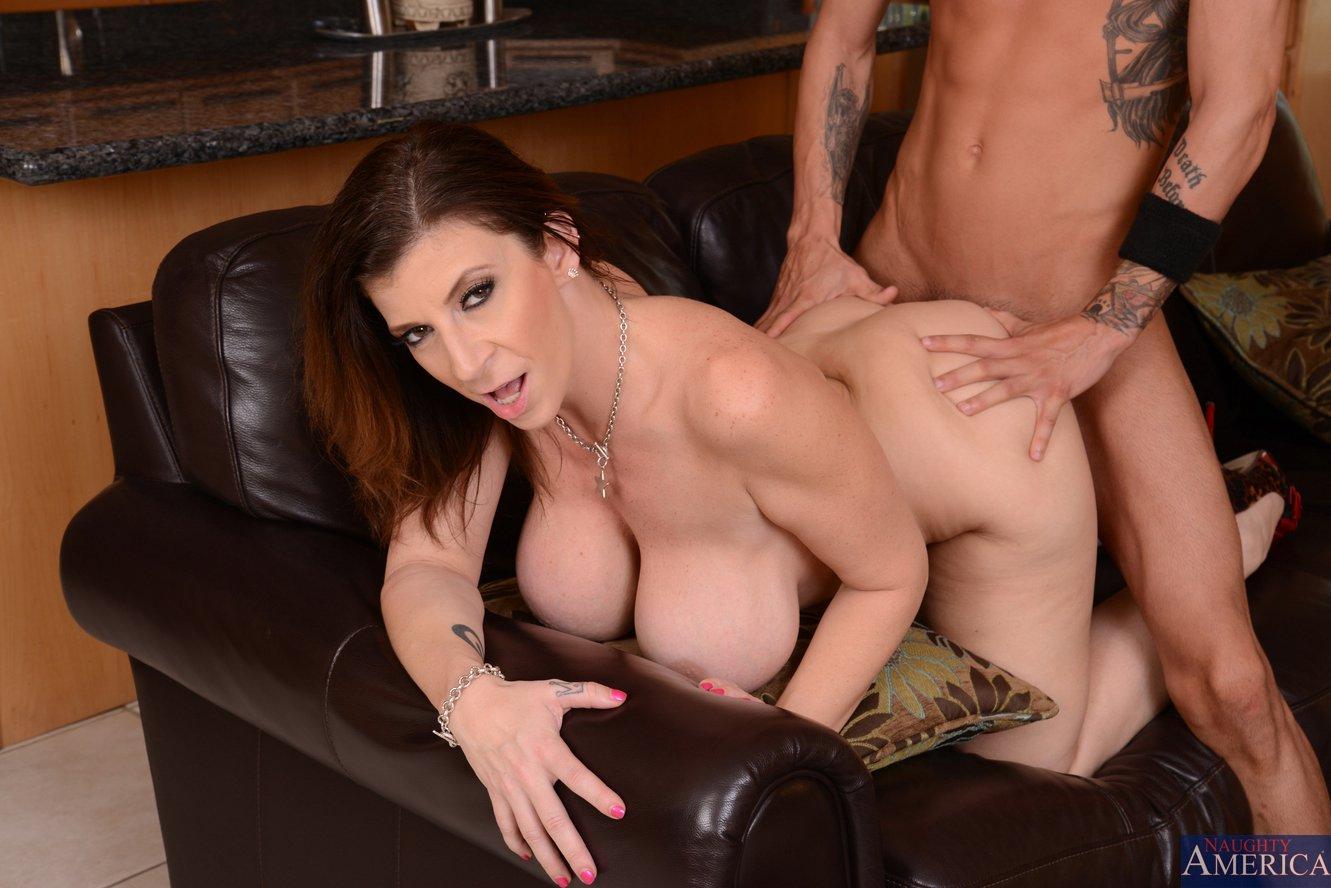 Sarah nude