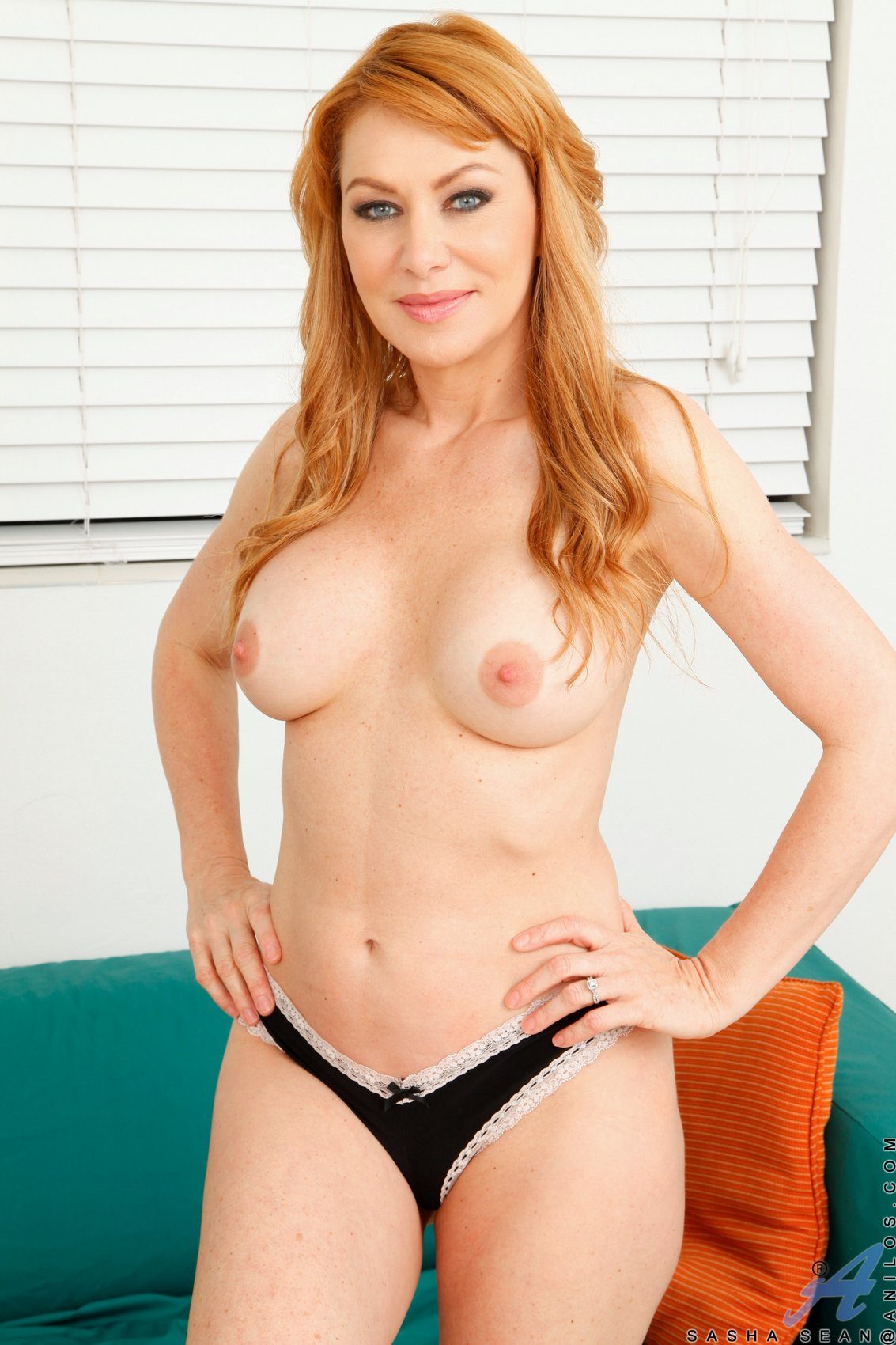 Breast hewitt jennifer love site web