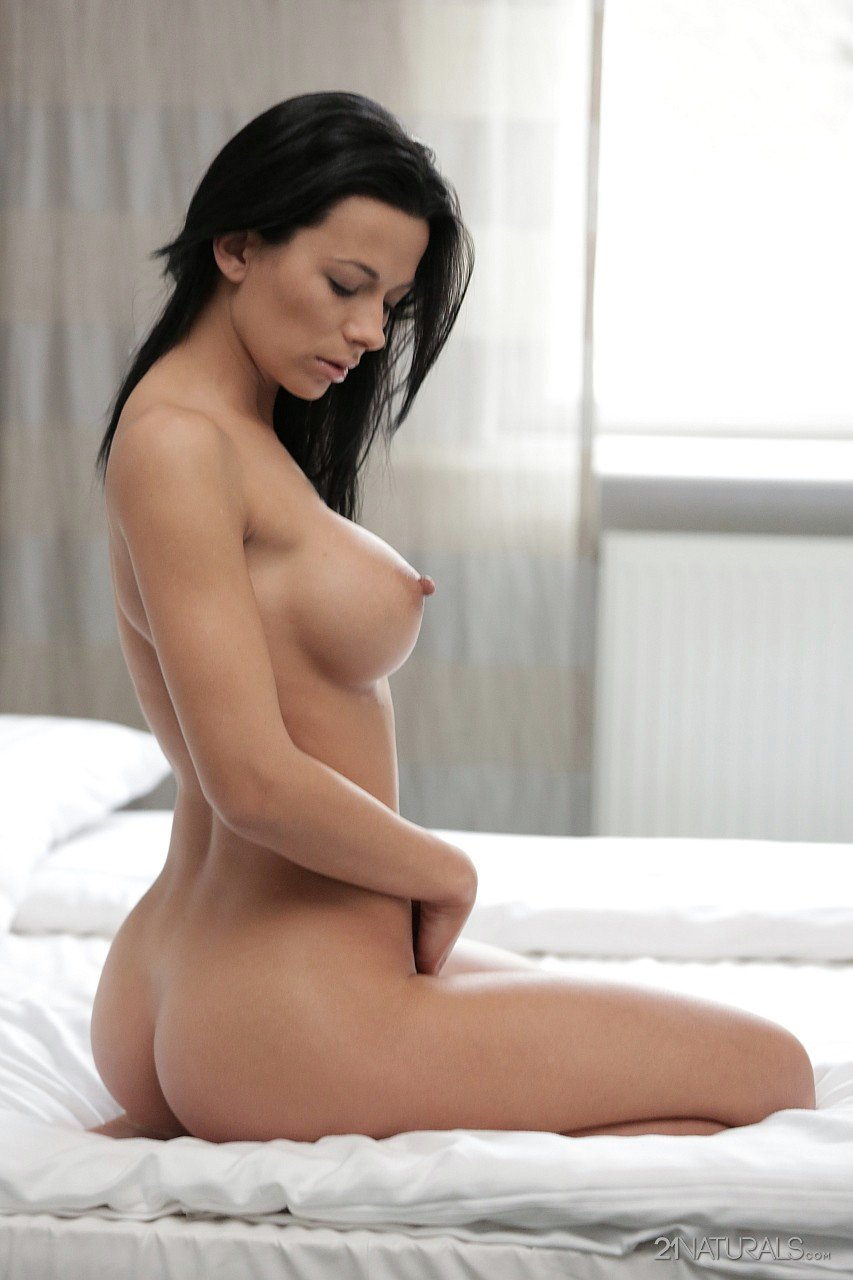 love quits to make her hot