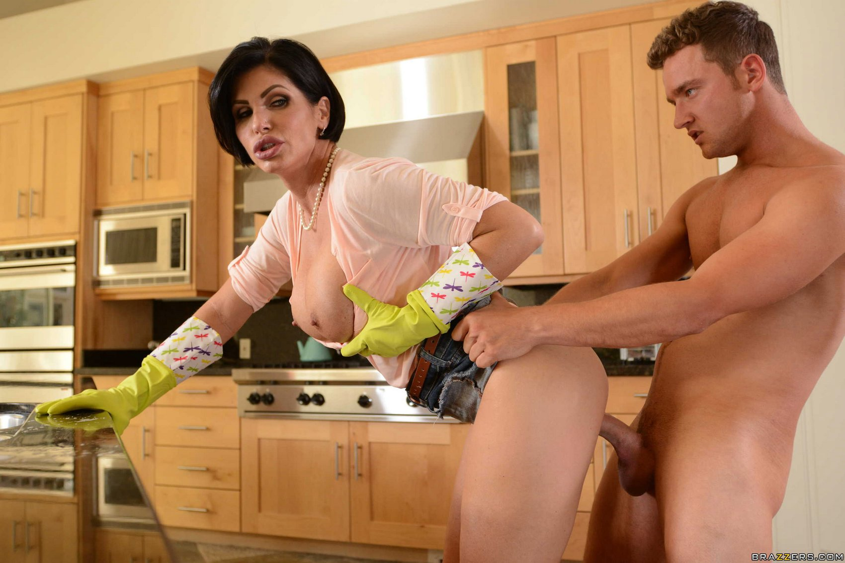 Step mom and not her step son intimate encounter 3