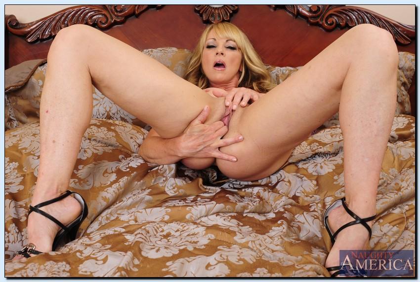 Shayla laveaux interracial