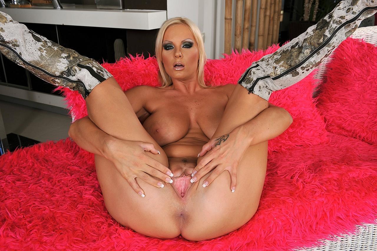 Sheila Grant Creamed On Her Feet