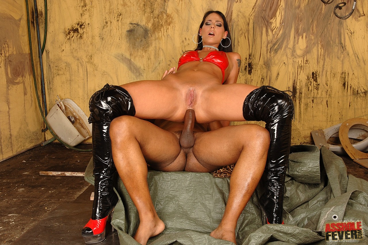 Simony Diamond In Latex Boots Gets Her Ass Rammed By Black -8747