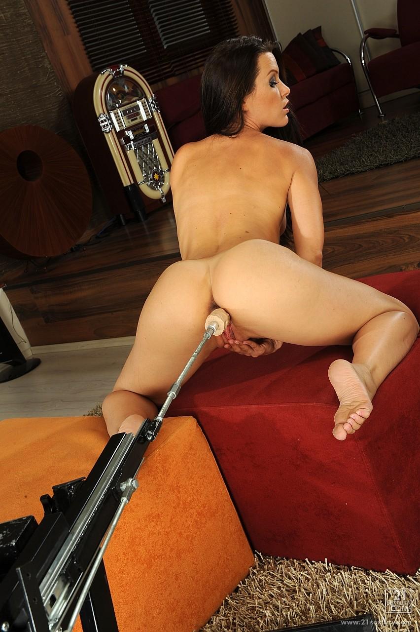 Blonde anal fuck machine on webcam 4