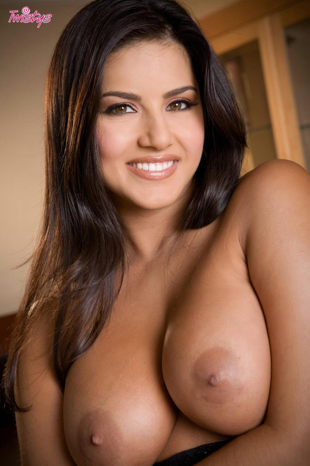 Busty Beauty Sunny Leone Posing And Dildoing Her Tight -6216