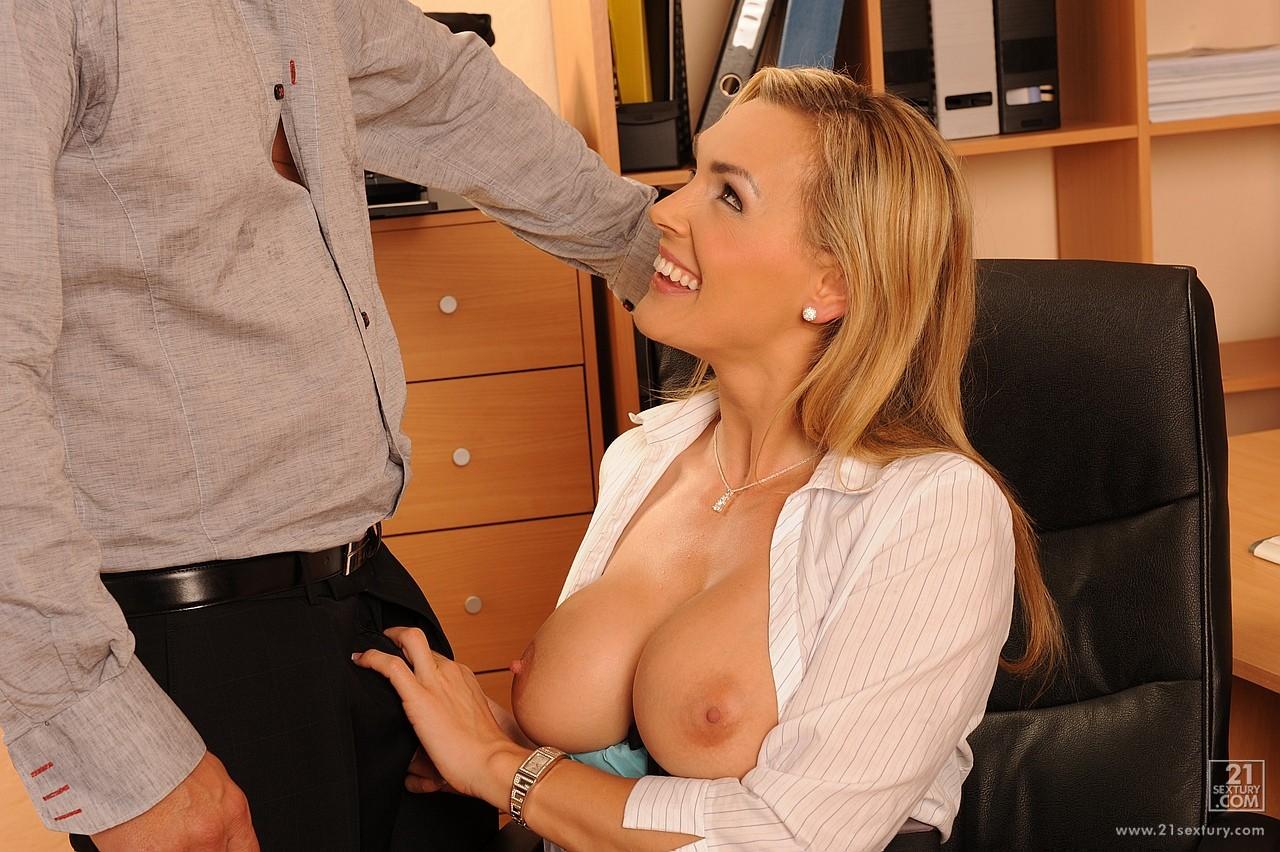 Секс очень строгий, Очень жесткое порно и жестокий секс смотреть онлайн 1 фотография