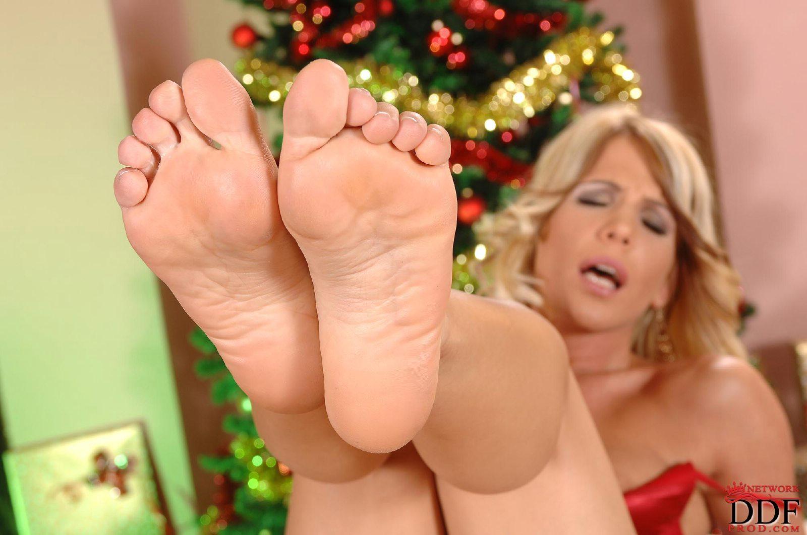 latina feet videos