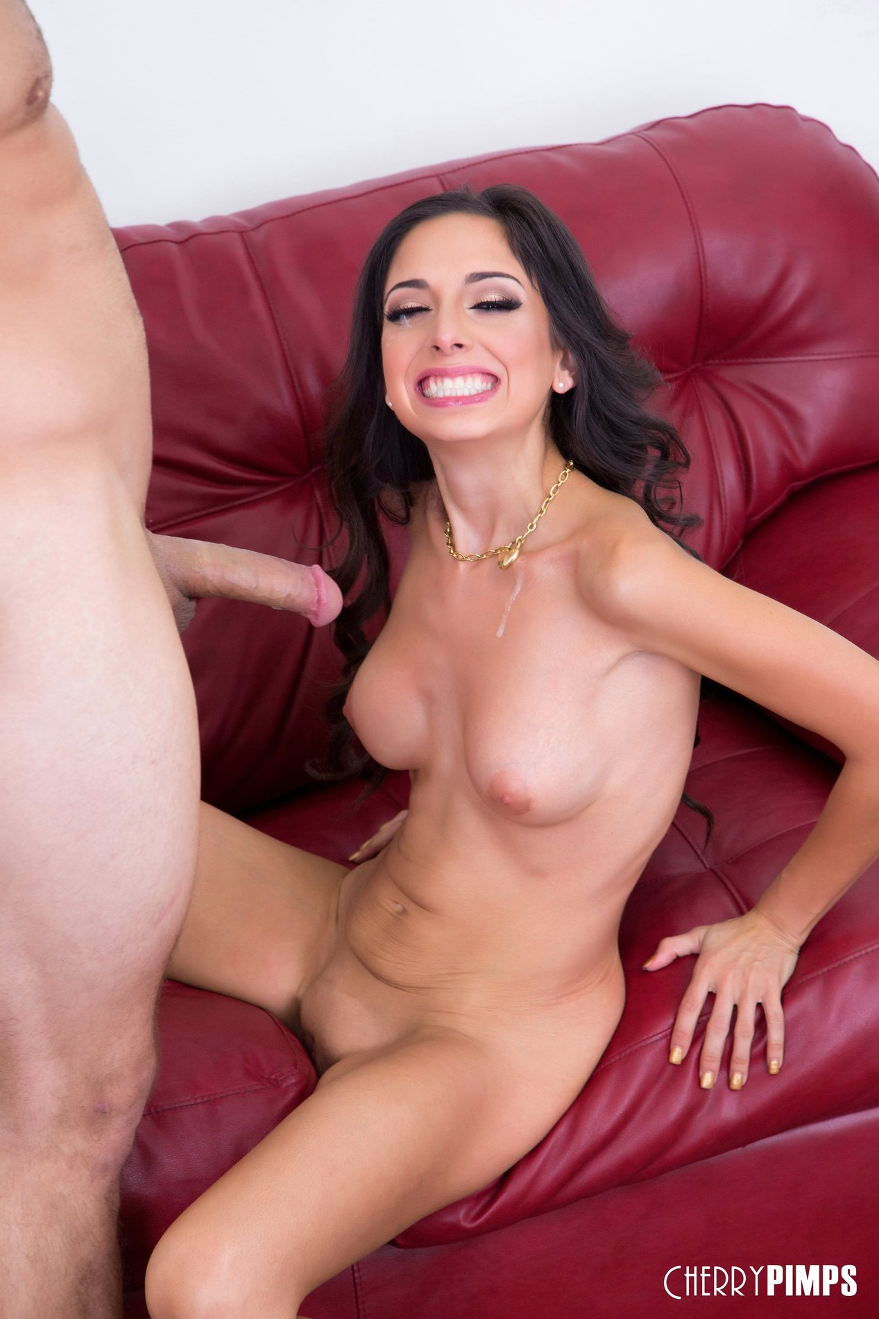 Latina gets fucked in the wild 4
