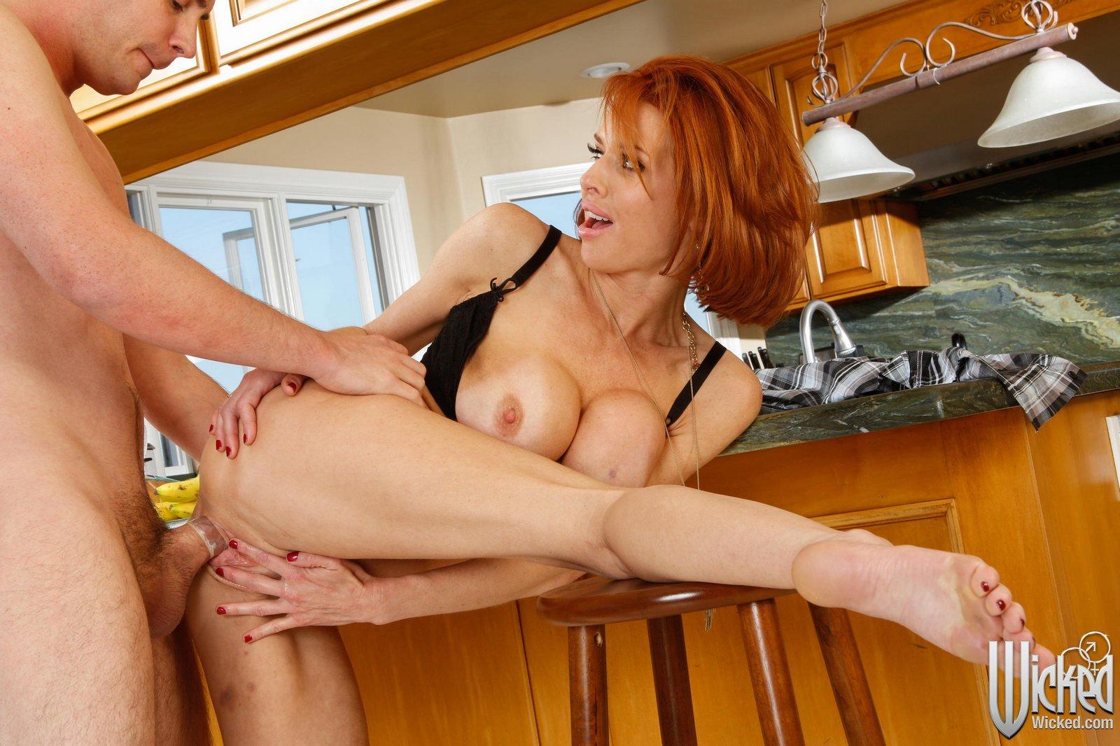 Chubby redhead mommy