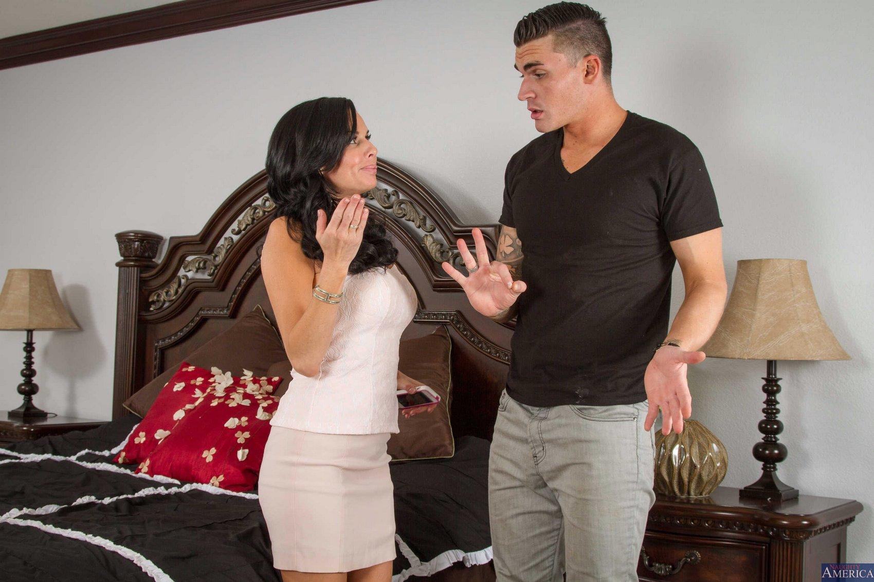 Dark haired female Veronica Avluv masturbates on her bed during a cam show  1548490