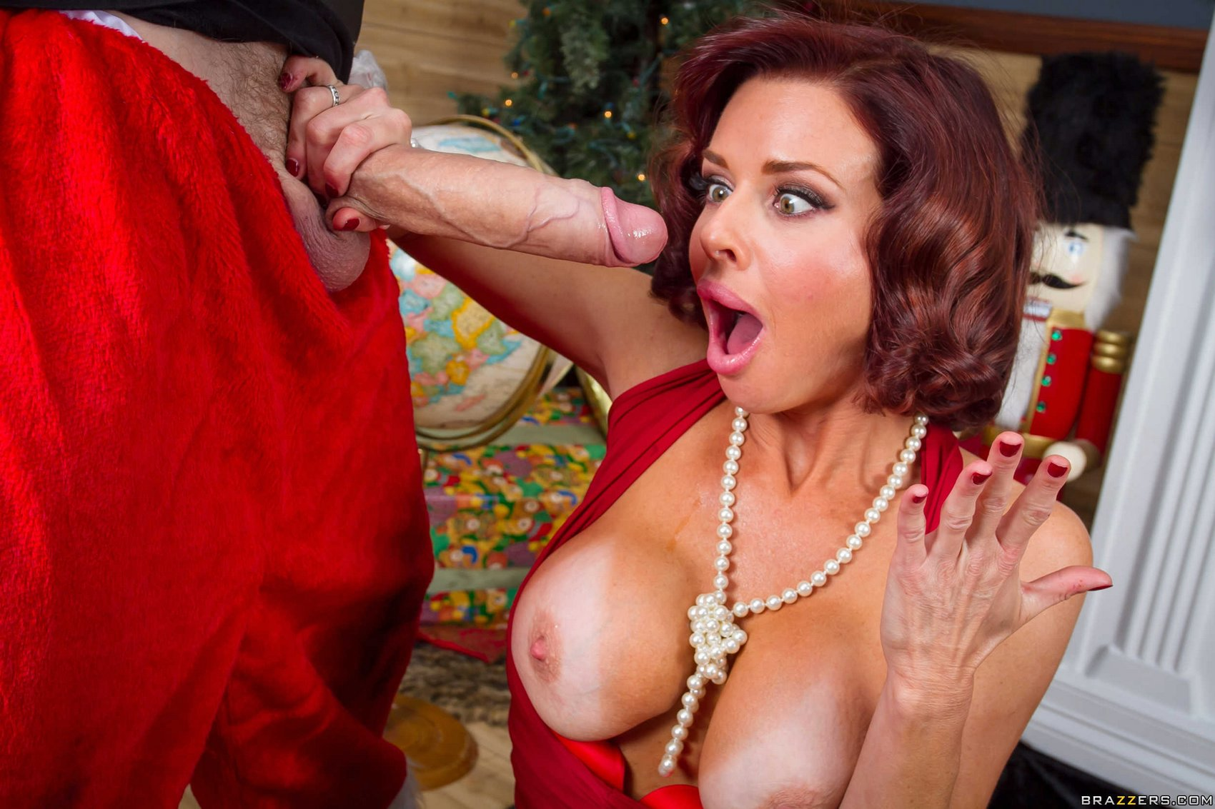 Milf maggie green teaches chloe temple a few lessons making her shocked on gotporn