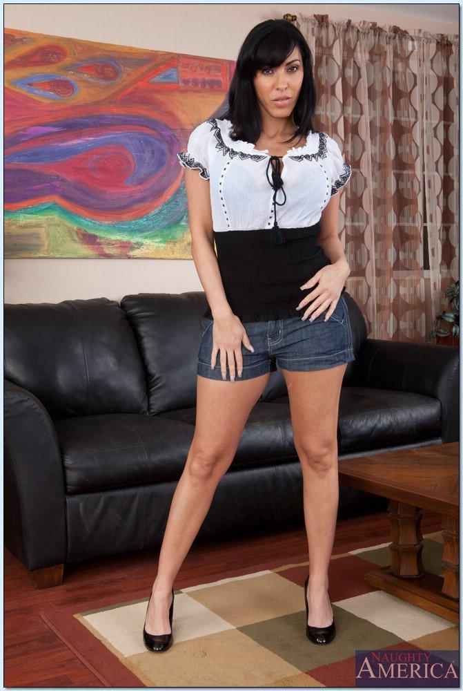 Veronica rayne high heels