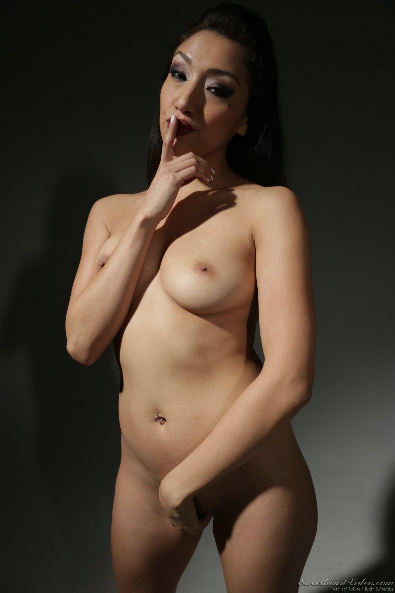 Vicki chase naked