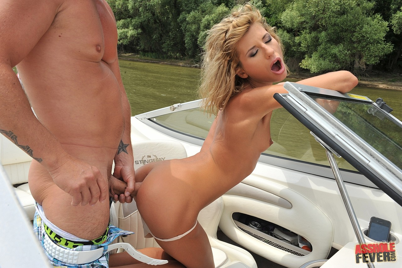 Beautiful Girl Victoria Tiffani Enjoys Anal Sex On Boat -1576