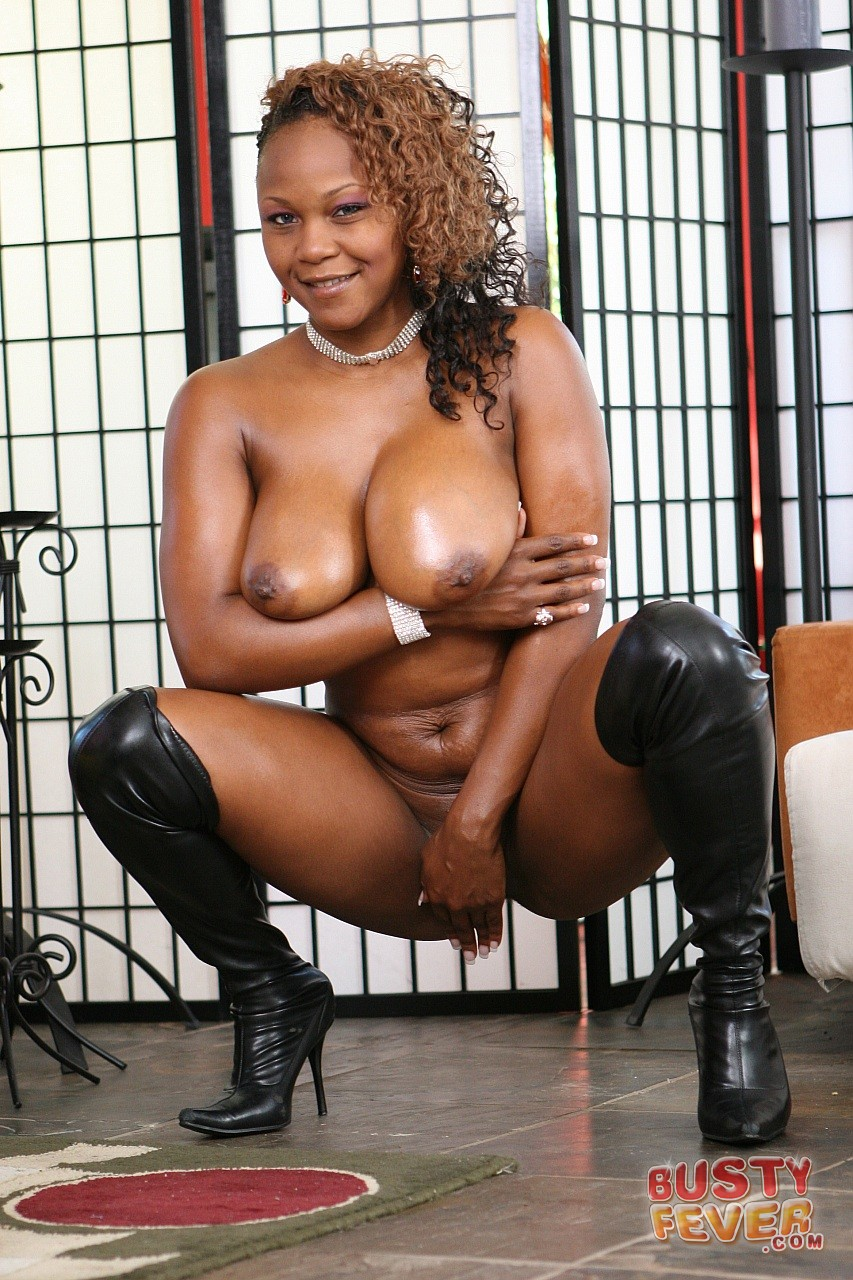Ebony Bitch Vida Valentine In High Boots Getting Fucked -6410
