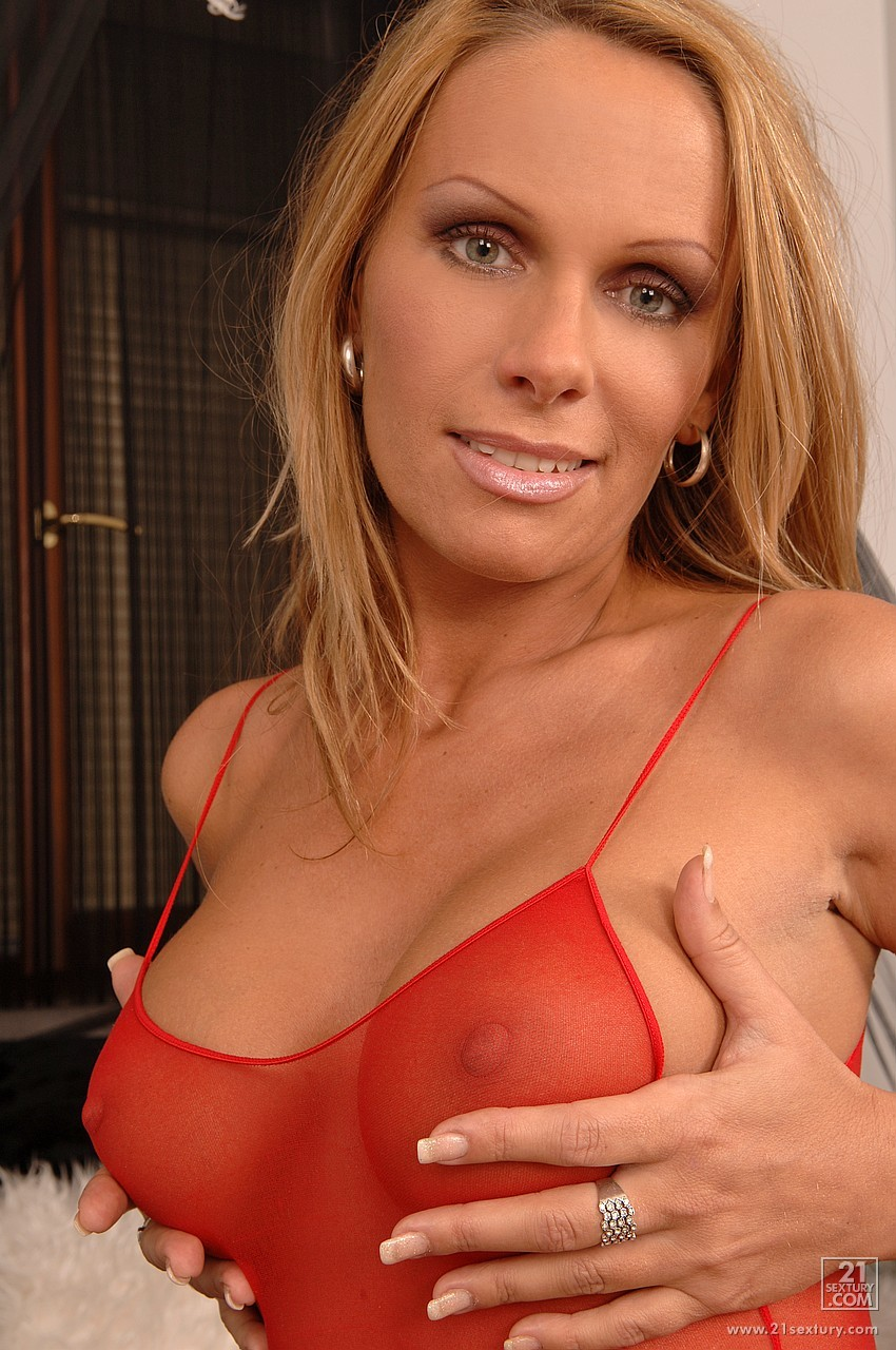Bedroom milf wife